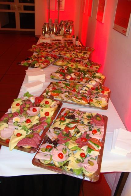 Gästecatering Für Heimat Symposium Grillfeier Bei Uns